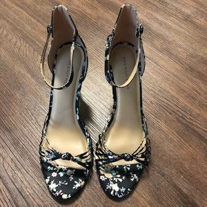 WHO WHAT WEAR Floral Heels Size 11